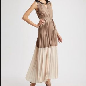 NWT BCBGMAXAZRIA Adelaide Colorblocked Gown
